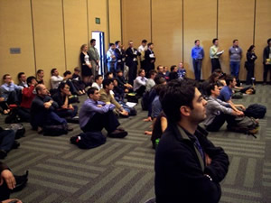 "Standing room only in one of the presentations in Symposium R "" M a t e r i a l s   f o r   R e n e w a b l e   E n e r g y   a t   t h e   S o c i e t y   a n d   T e c h n o l o g y   N e x u s"" of the 2009 Materials Research Society spring meeting (source: MRS)"